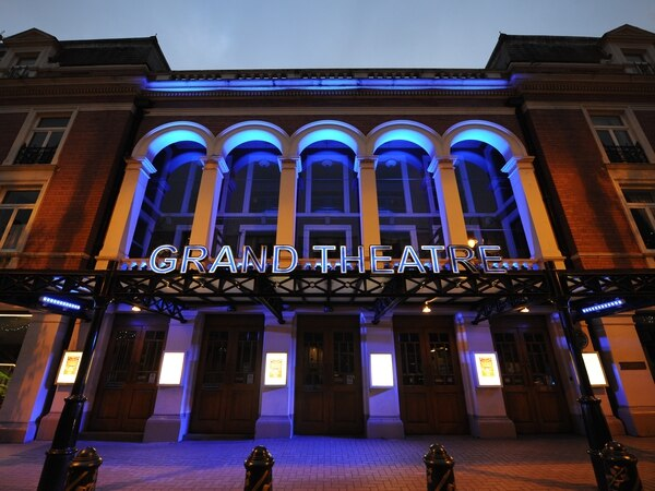 Wolverhampton Grand Theatre postpones panto till 2021