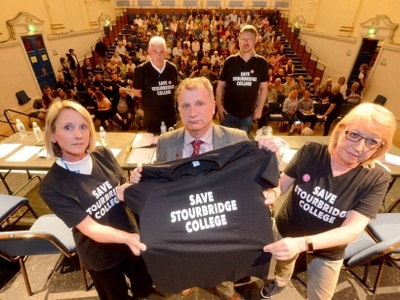Hundreds turn out at Town Hall meeting to save Stourbridge College