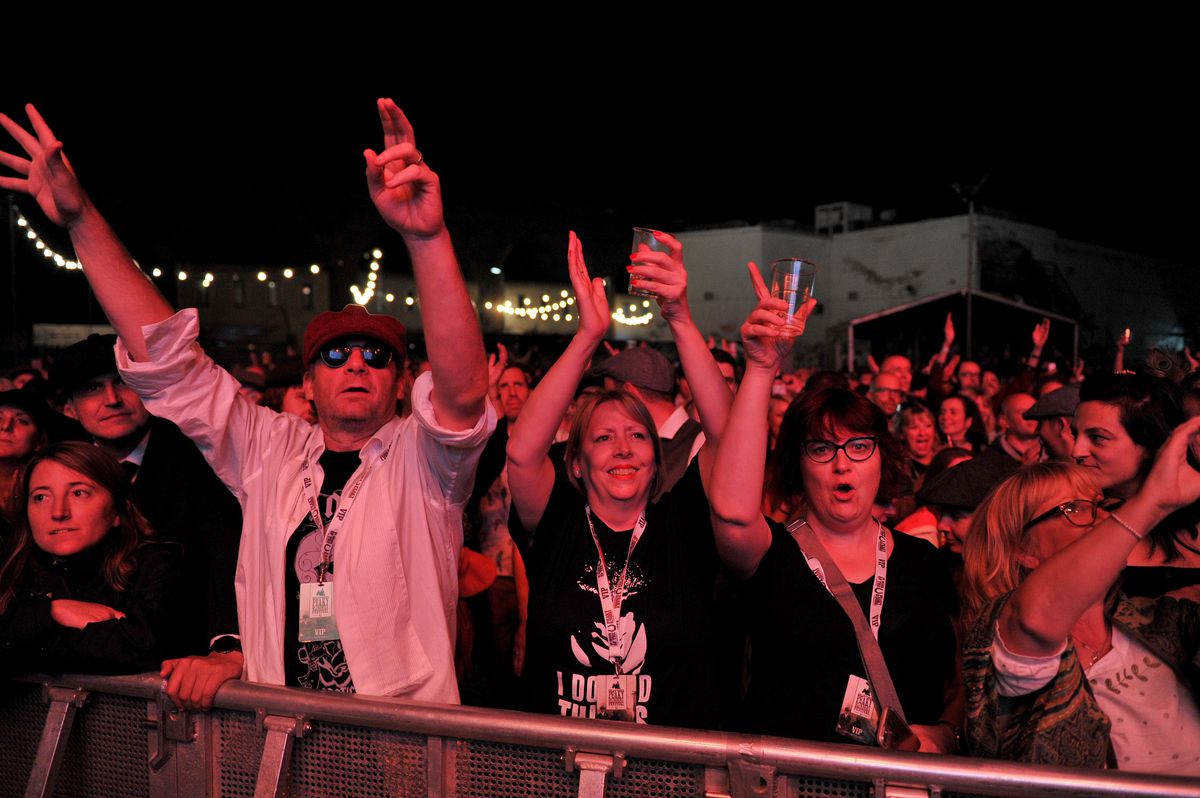 Fans watch Primal Scream