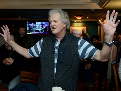 A pint and a no-deal Brexit please! Wetherspoon boss Tim Martin hosts Wolverhampton debate
