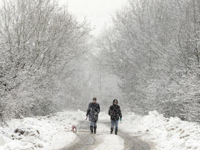Snow due to hit parts of UK as temperatures plunge