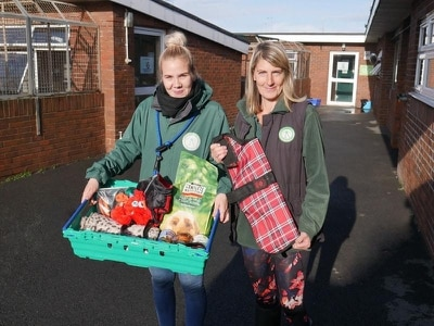 Cat and dog home launches pet food bank