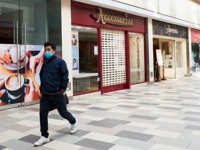 Retail sales continue recovery in August but lose pace