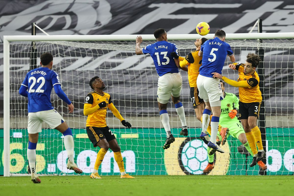 Michael Keane of Everton scores a goal to make it 1-2 (AMA)