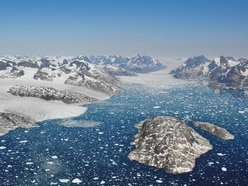Greenland ice melt 'would see 400m people exposed to coastal flooding by 2100'