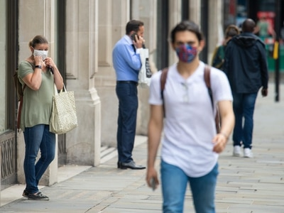 Police raise concerns over enforcing face mask rules in English shops
