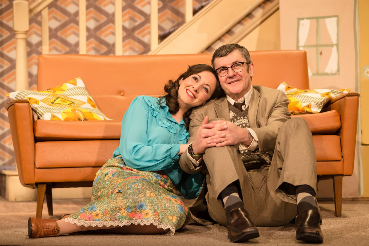 Sarah Earnshaw as Betty & Joe Pasquale as Frank Spencer in Some Mothers Do 'Av 'Em. Picture by: Scott Rylander