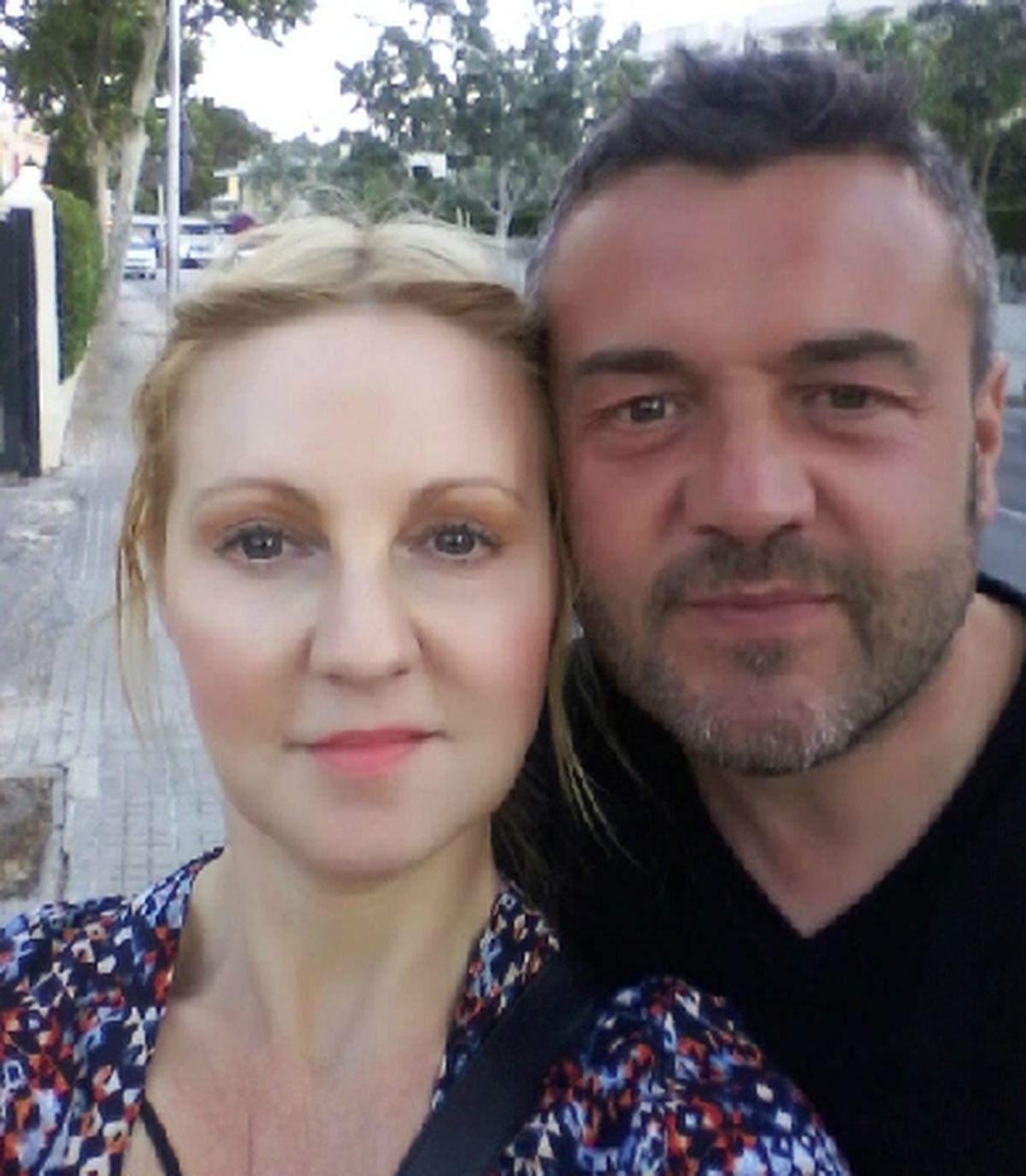 Simon Smith with his wife, Hayley