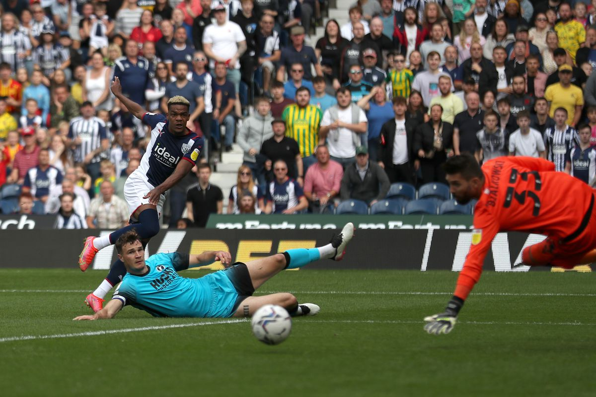 Grady Diangana of West Bromwich Albion shoots narrowly wide of the goal. (Photo: WBA)