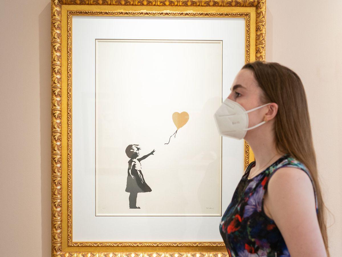 Girl With Balloon – Colour AP (gold)