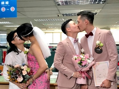 Hundreds tie knot as same-sex marriage becomes legal in Taiwan