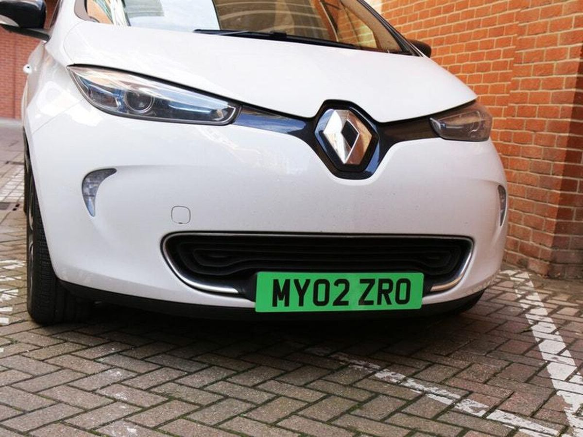 Electric cars could have green number plates installed as part of a raft of initiatives