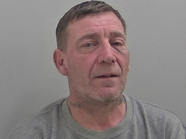 Kidderminster man jailed after punching two police officers