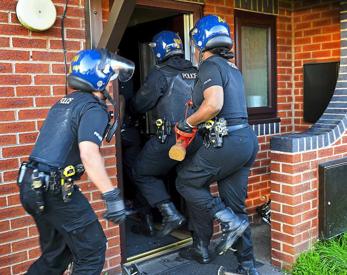 Police swoop on suspected drug dealers in Chester Street , Whitmore Reans
