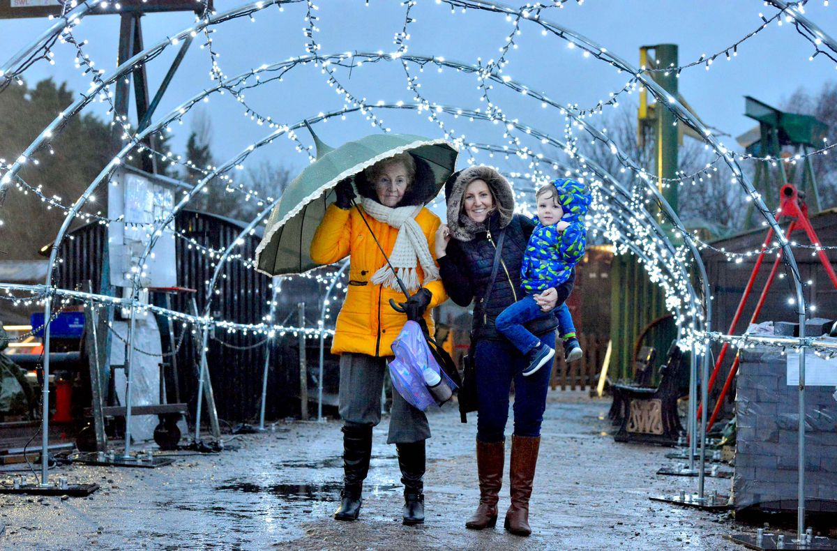 LAST COPYRIGHT SHROPSHIRE STAR STEVE LEATH 10/12/2019..Pic in Bridgnorth at the Severn Valley Railway where they had there Lights and Steam event ( pics taken in torrential rain). Pic of Mytyl Tromans, Nina Tromans and Oliver Banks 3 from Stourbridge..
