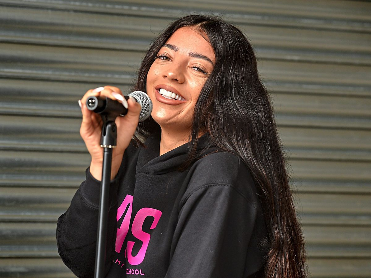 WEEKEND FEATURE PIC PIC MNA PIC  DAVID HAMILTON PIC  EXPRESS AND STAR 16/8/21 Professional singer / songwriter Amy Goodall, who has opened The Amy G School, at Wolverhampton.. FOR WEEKEND