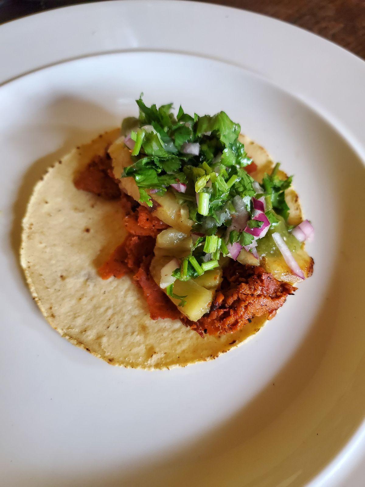 Al pastor taco