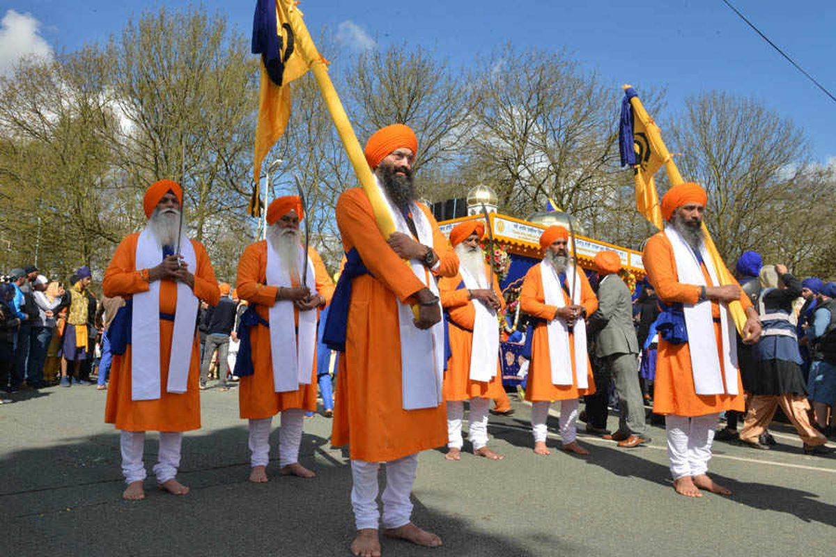 PICTURES: Thousands take to streets of Wolverhampton for Vaisakhi festival