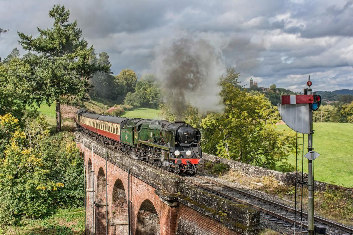Locomotive 34027 Taw Valley crosses the Oldbury Viaduct on the Severn Valley Railway
