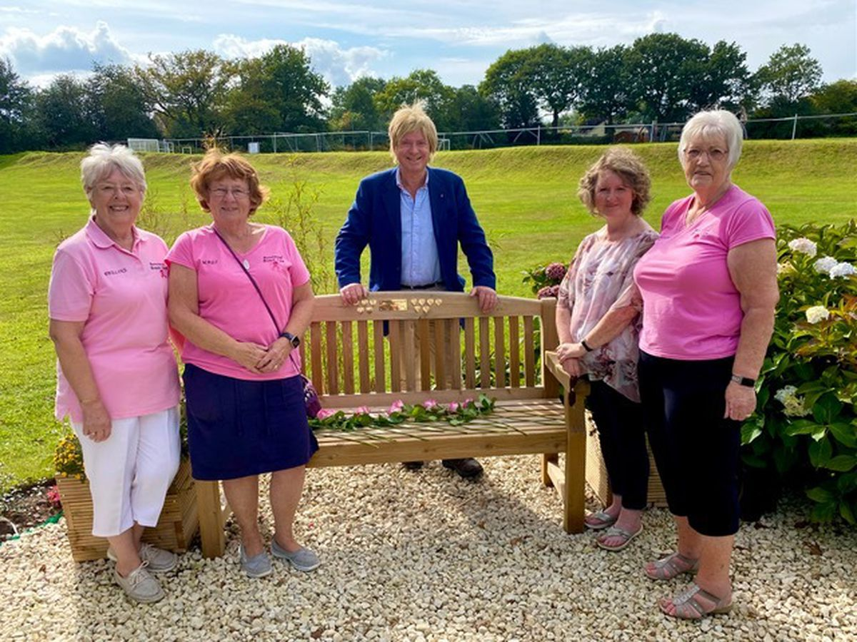 Pictured with the bench are (from left) Pauline Walker, Mags Davies, Michael Fabricant, Marie Hiley, and Linda Griffith.