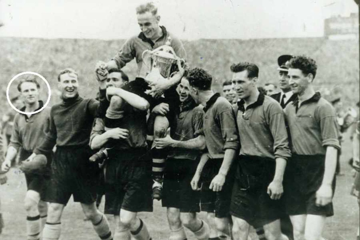 Wolves FA Cup winner Jimmy Dunn dies at 91