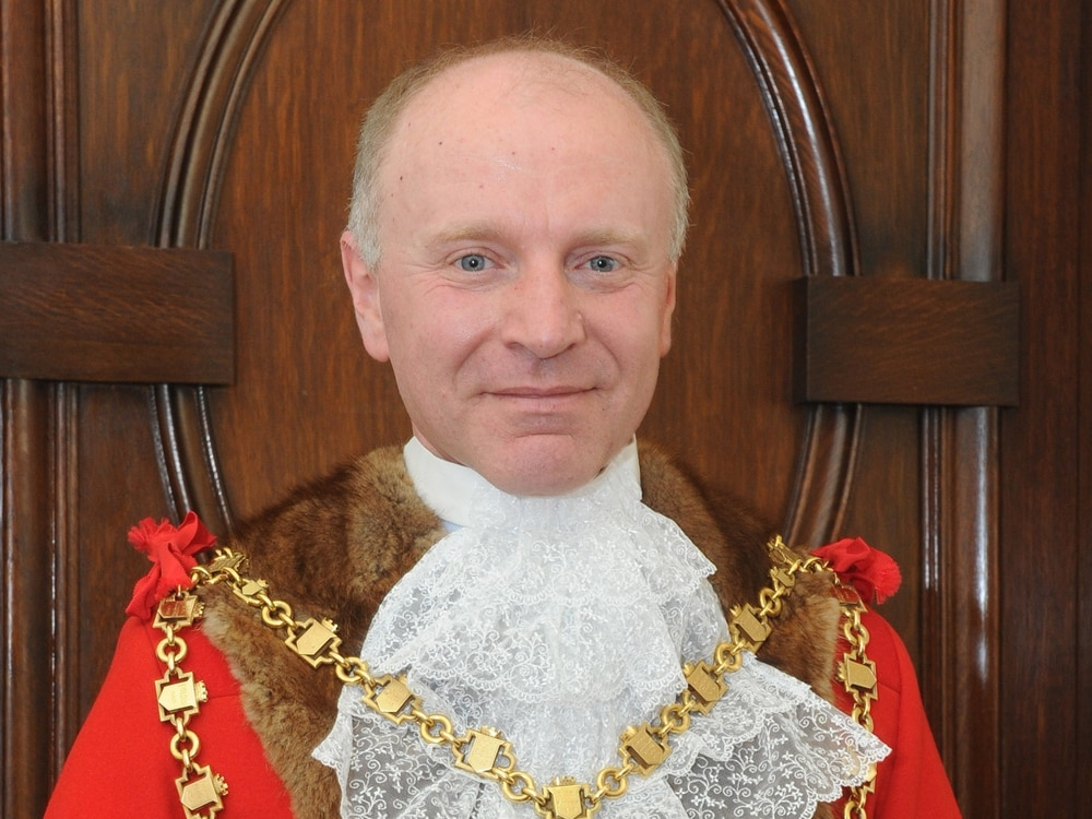 Walsall Council: Mayor\'s controversial casting vote puts Tories on ...