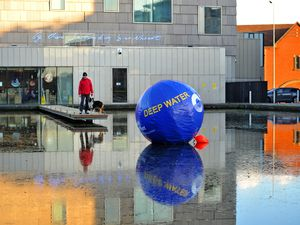 WALSALL COPYRIGHT EXPRESS&STAR TIM THURSFIELD-26/11/20 A giant inflatable Canal and River Trust buoy with the wording 'deep water' on it has been placed on the water at town wharf, Walsall, near the art gallery, to stop people accidentally walking into it!.