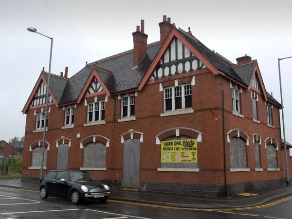 The old Warreners Arms building in Brownhills