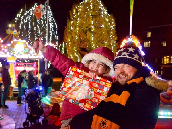 Crowds gather for Oldbury lights switch-on - with PICTURES