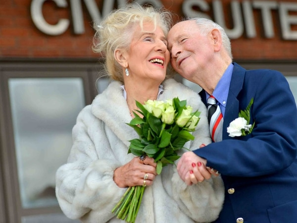 Elderly sweethearts wed after finding love in their 80s