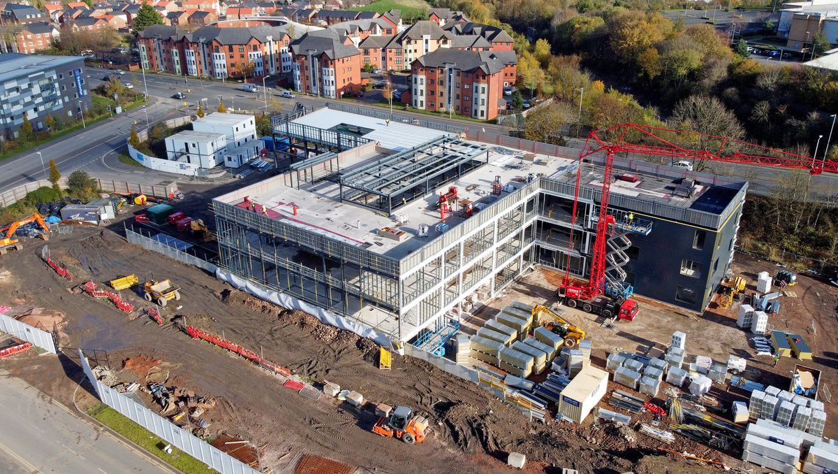 Work is continuing on Dudley College's Institute of Technology off Castle Hill