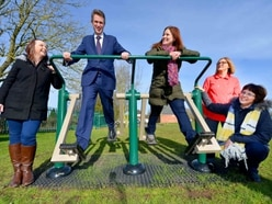 Gavin Williamson hits the gym to celebrate park's makeover - PICTURES and VIDEO