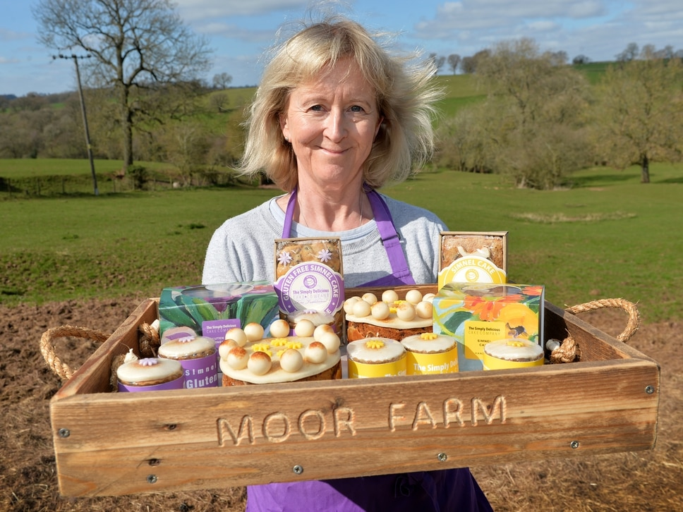 The taste of Easter traditions: Weekend meets the bakers making simnel cakes