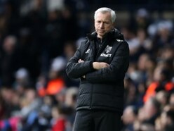 Alan Pardew expected to remain as West Brom head coach for now