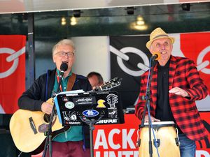 Tom Stanton and Billy Spakemon entertain shoppers