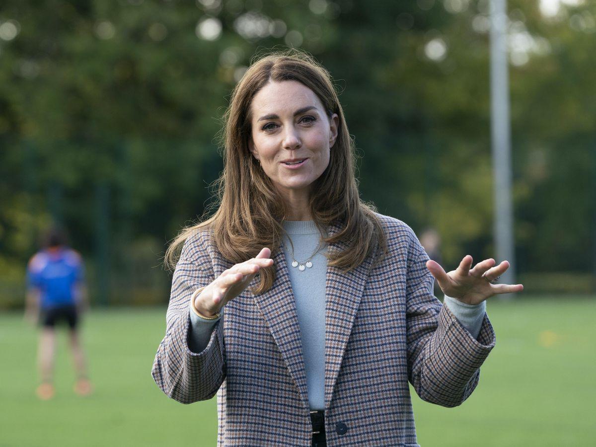 Kate Middleton flaunts her elegance as she visits Derby University
