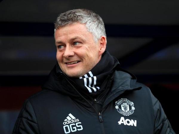 Solskjaer hoping memories of PSG comeback can spur Man Utd to overcome City