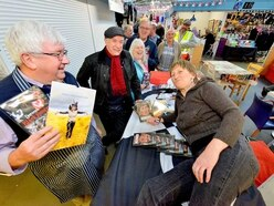 WATCH: Fans flock to see Doreen at Brierley Hill market