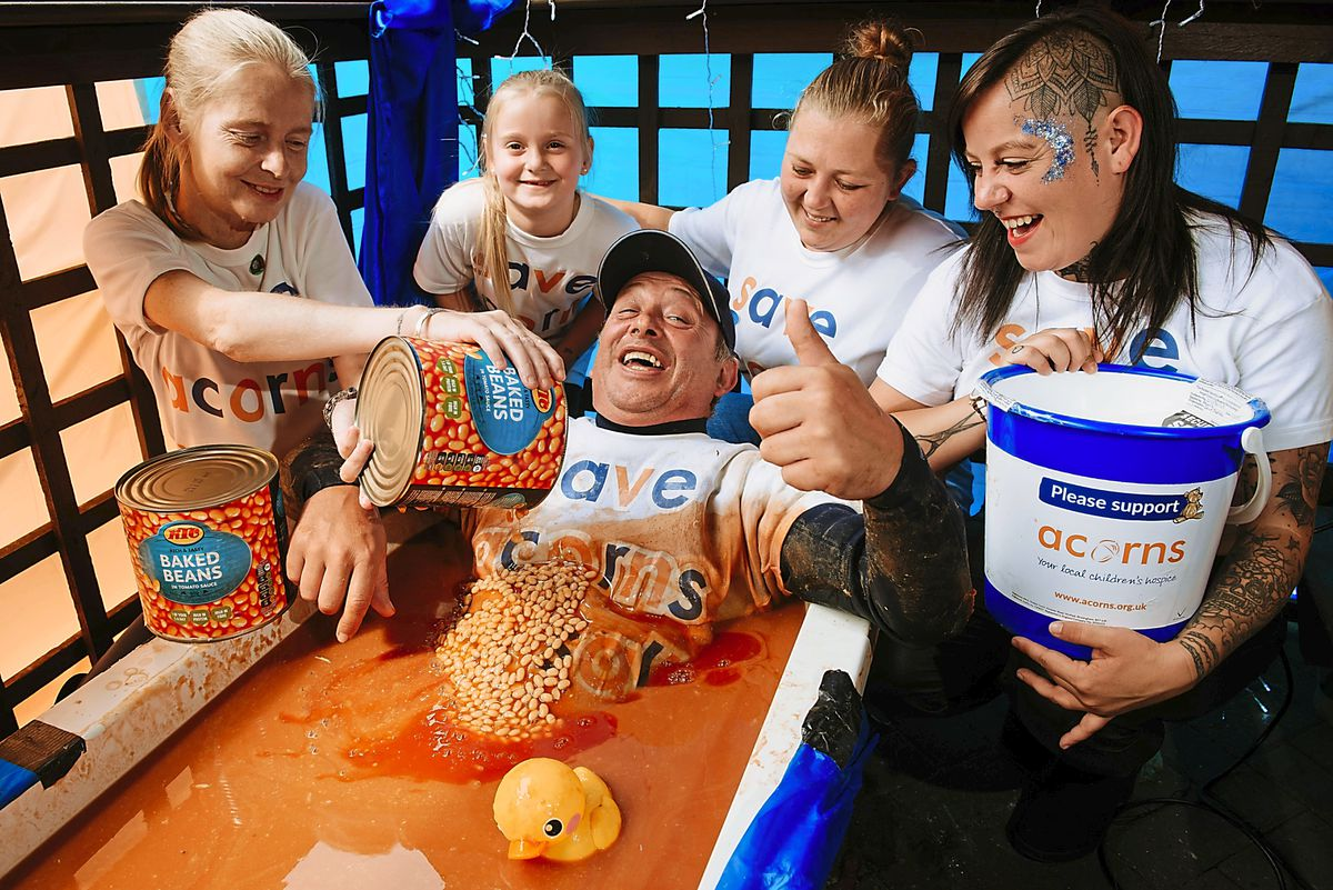 Dave Thomas spent 24 hours in a bath tub in aid of Acorns