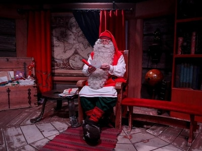 All I want for Christmas … is to believe in Santa again – study
