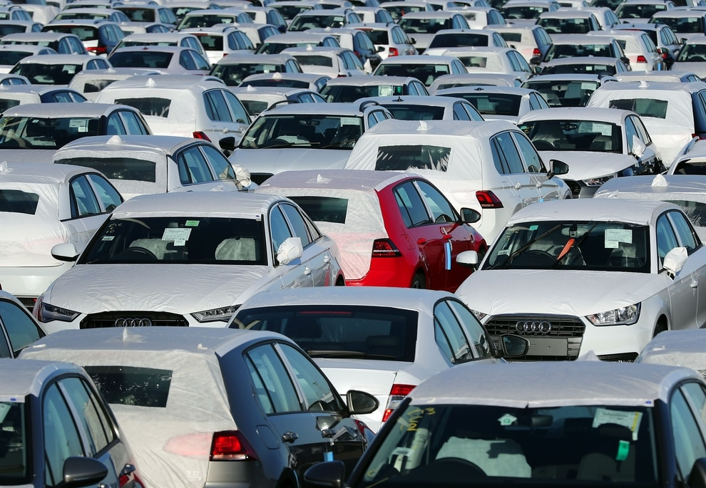 Car Sales Express >> Uk Car Sales Fell For The First Time In Six Years In 2017