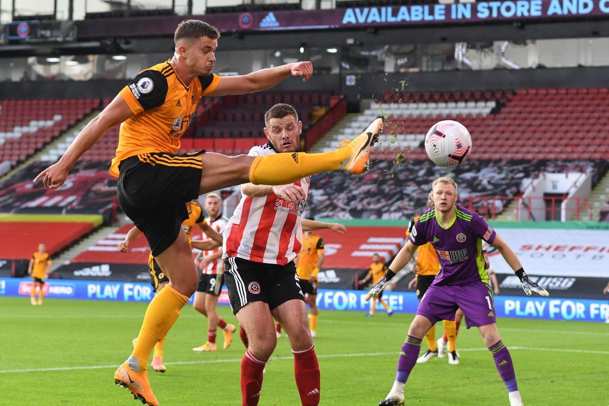 Leander Dendoncker of Wolverhampton Wanderers has an attempt on goal (AMA)