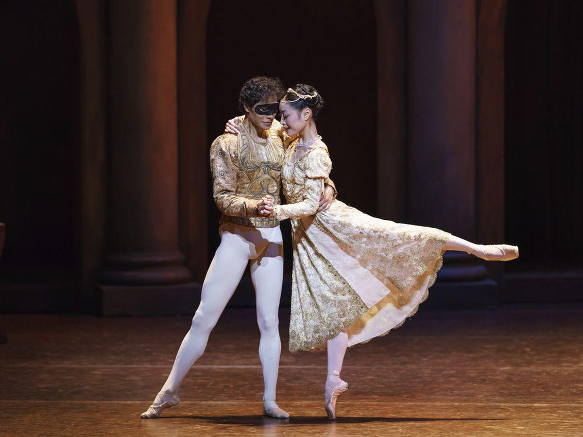 Momoko Hirata as Juliet and César Morales as Romeo. Photo: Bill Cooper