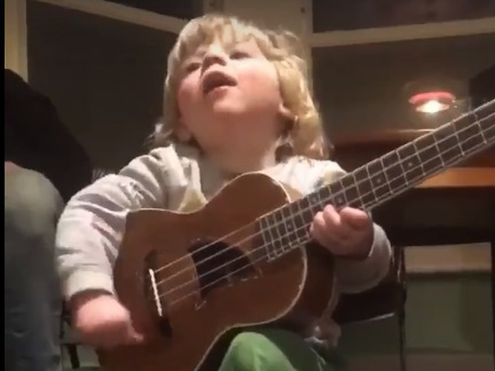 Cum on feel the noize: Noddy Holder's grandson shows musical talent in viral video