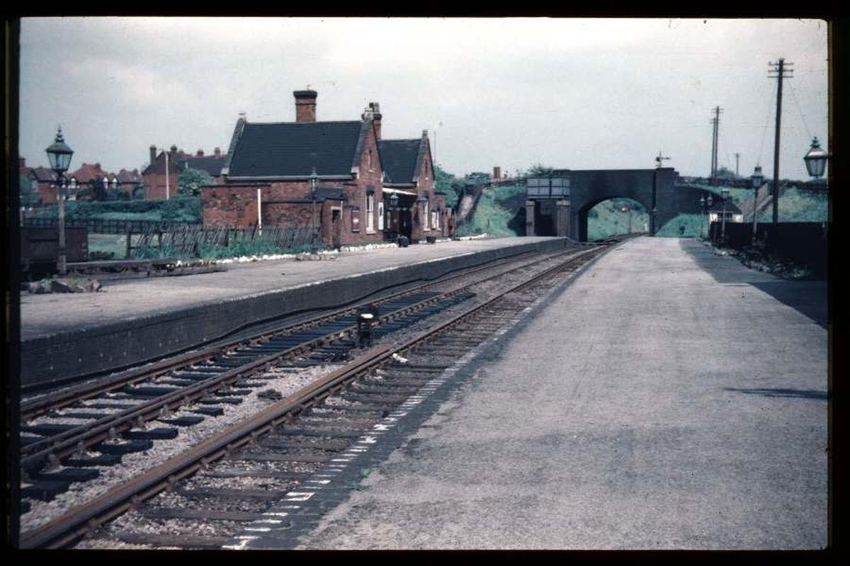 The old Aldridge railway station in 1955 (credit: D J Norton, Birmingham)