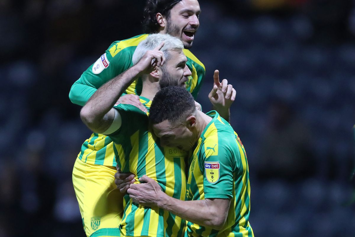 Charlie Austin of West Bromwich Albion celebrates after scoring a goal to make it 0-1 from the penalty spot with Filip Krovinovic of West Bromwich Albion and Kieran Gibbs of West Bromwich Albion (AMA)