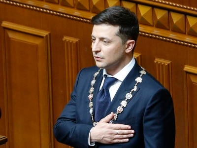 TV comedian disbands Ukrainian parliament after being sworn in as president