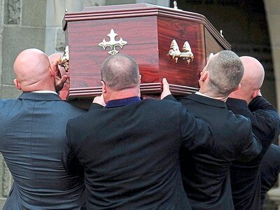 Funerals group sees fewer people dying