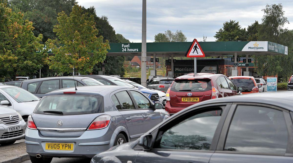 Queues for fuel at Morrisons, Bilston