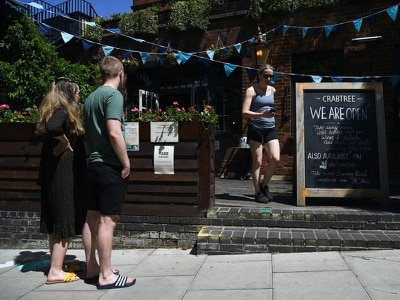 Pub jobs at risk unless social distancing is cut to one metre, trade groups warn